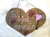 Velke srdce Tu býva nevesta na zavesenie,