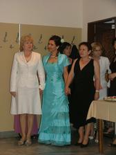 Priprave na Redovy tanec, prichod s mojou  krstnou a birmovnou  mamou.