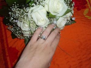 kyticka, snubny prsten a obrucka
