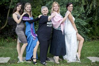 Ženy a dívky z rodu Hejzlarů
