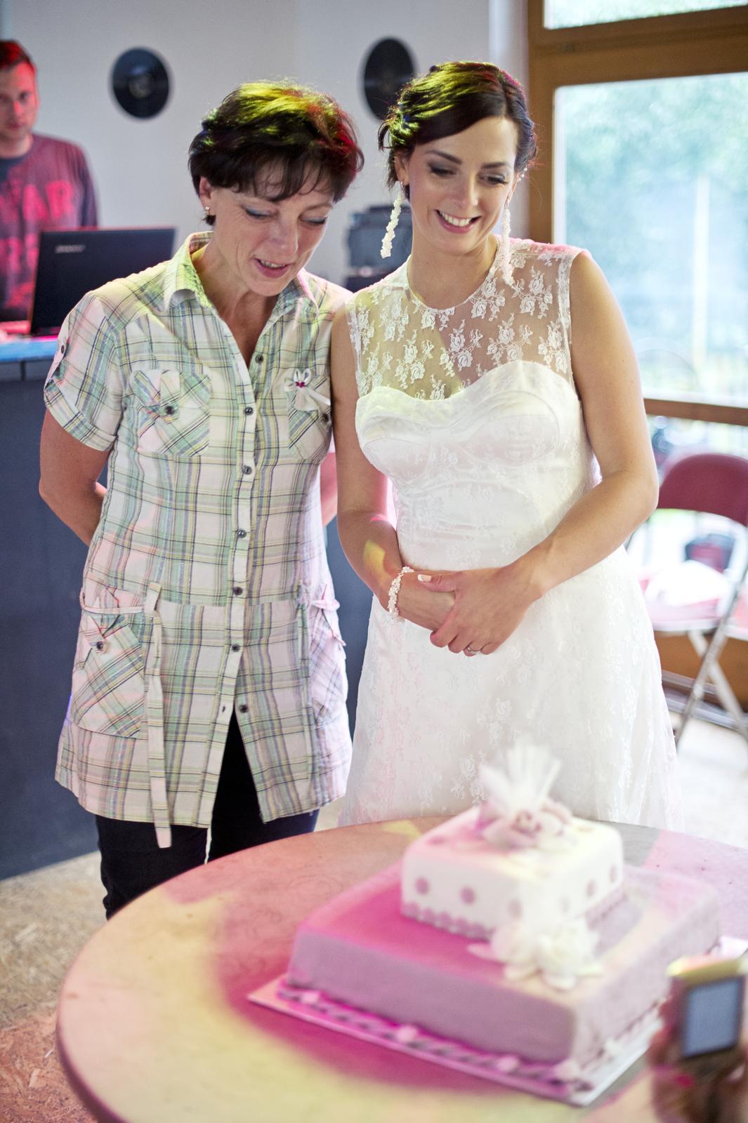 Lucka{{_AND_}}Jan - S tetičkou obdivujme dortíček