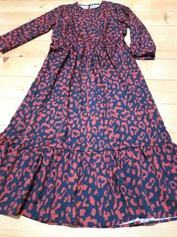 Zaujímavé šaty - Obrázok č. 4
