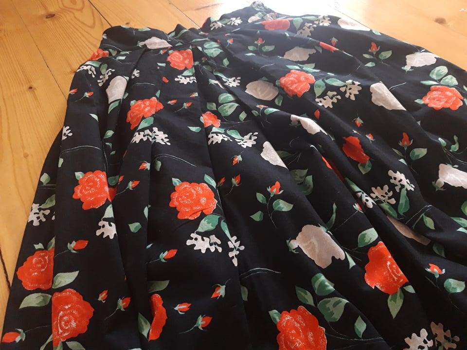 Spoločenská sukňa - Obrázok č. 3