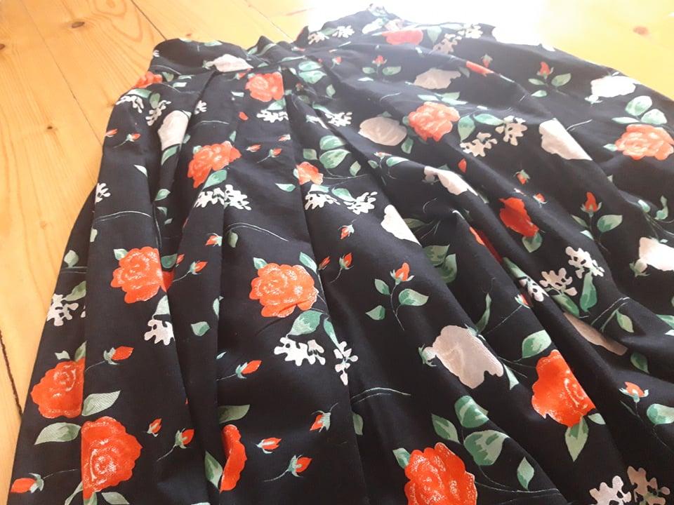 Spoločenská sukňa - Obrázok č. 4