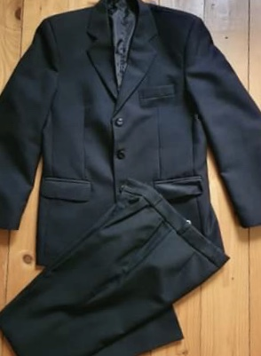 klasicky čierny oblek S/M - Obrázok č. 1