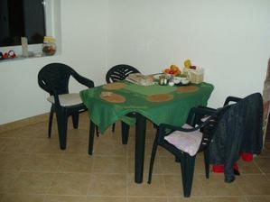 jídelní stůl :-)))