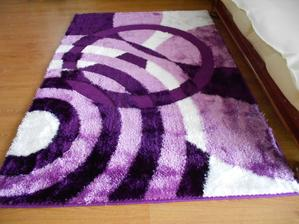 novej koberec v obýváku....během 6-ti let už čtvrtý,tak snad vydrží dýl než ty před ním