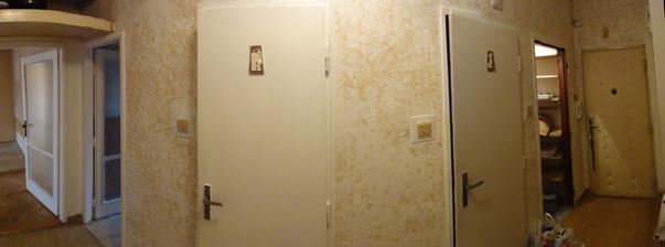 Den 0 - chodba (zleva - dvere puvodni obyvak, dvere do kuchyne, koupelny, zachodu, komory a vchodove dvere)