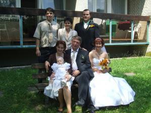 rodiče nevěsty + sestra nevěsty s manželem a Jindřiška