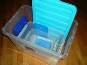 a tady v tom byl schovanej každá krabička zvlášť zabalená můj drahoň se vyřádil