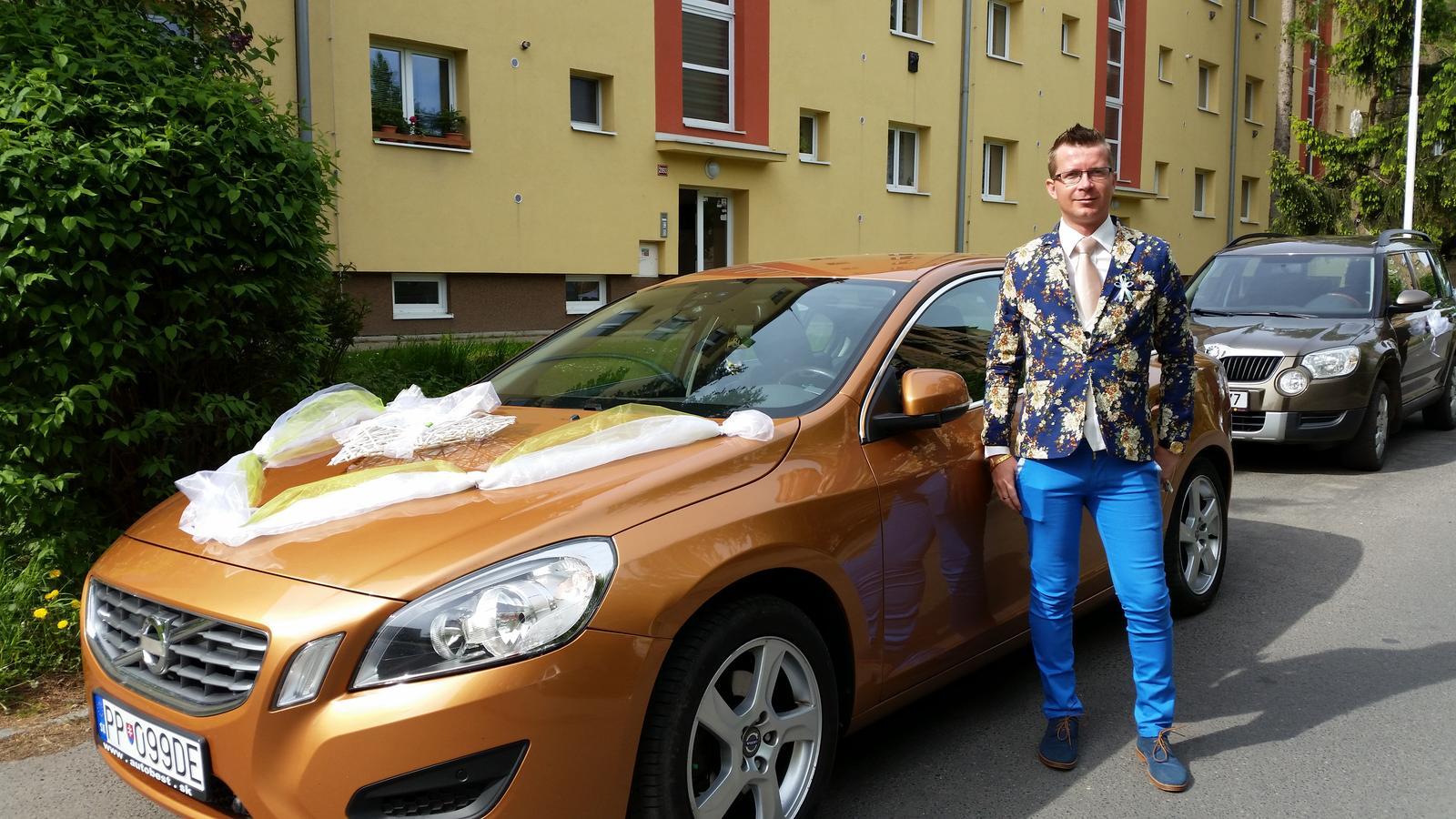 Monika Procházková{{_AND_}}Jakub Drvota - Autíčko pro nevěstu s řidičem a zároveň naším skvělým kamarádem :-)