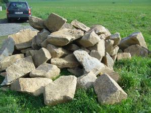 Kameny by už byly