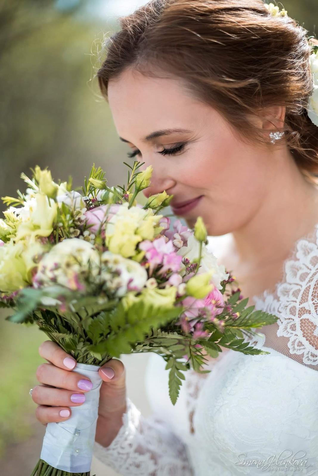 petrasnajdarkova - Nevěsta Klárka líčení a účes