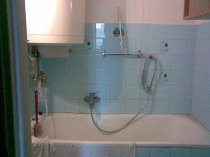 takhle vypadala koupelna...