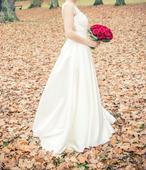 Svatební šaty s vlečkou, krajka, barva champagne, 34