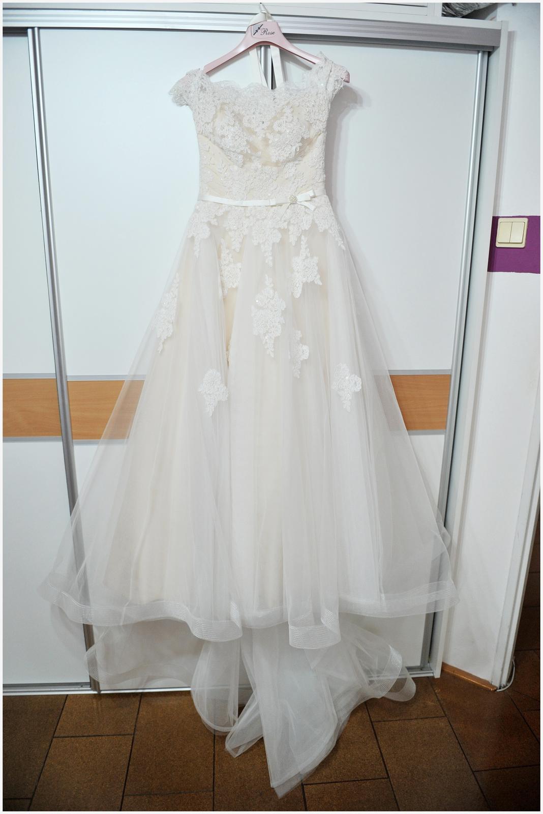 Svadobné šaty pre malé nevesty - Obrázok č. 2