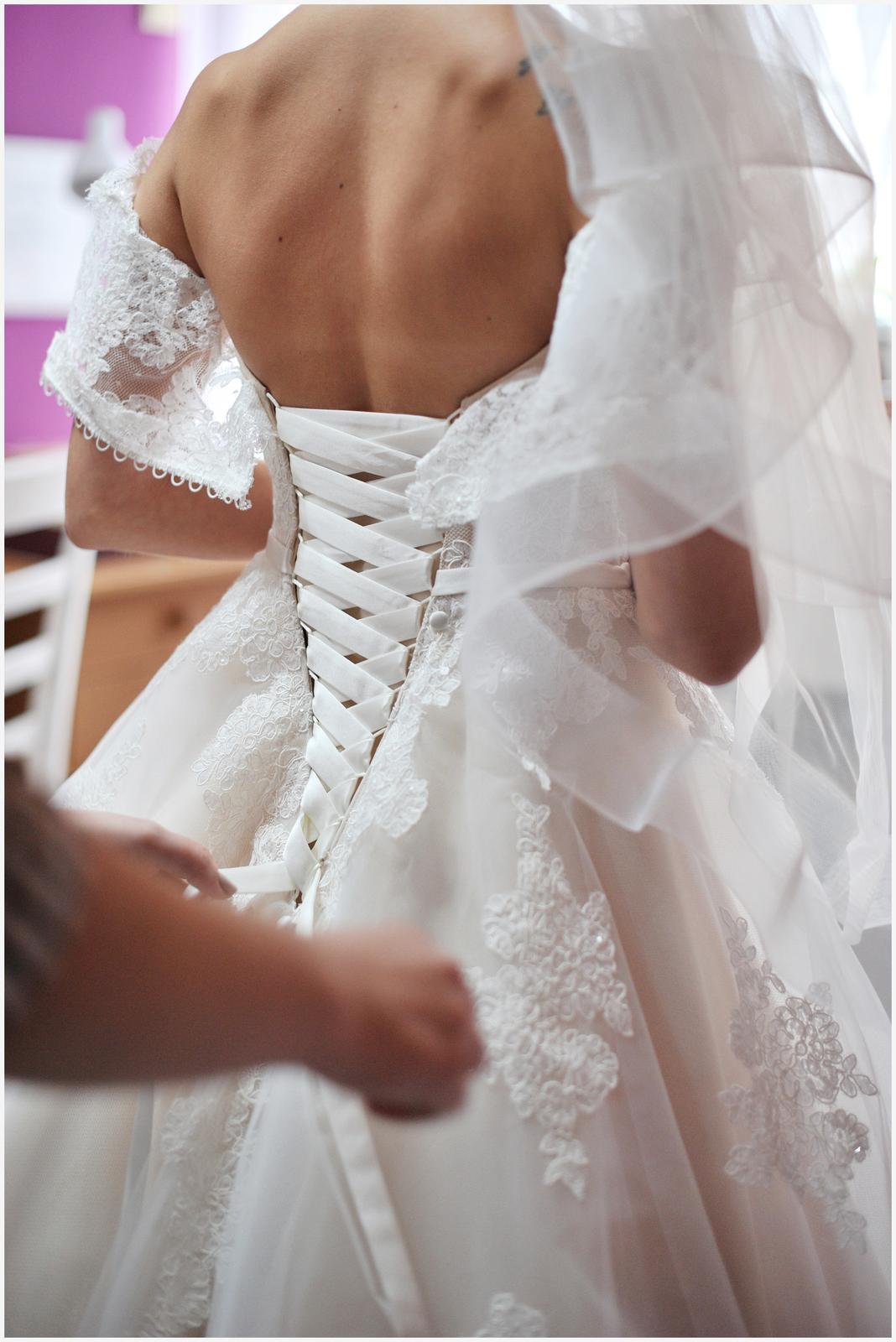 Svadobné šaty pre malé nevesty - Obrázok č. 3