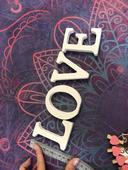 Dřevěná písmena LOVE,