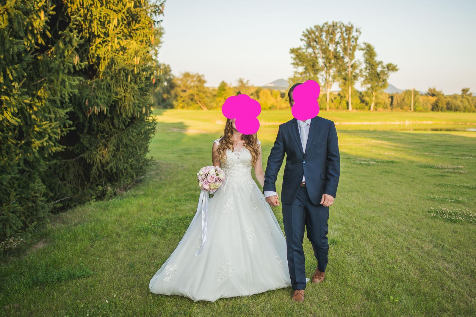 jemné a romantické svadobné šaty - Obrázok č. 2