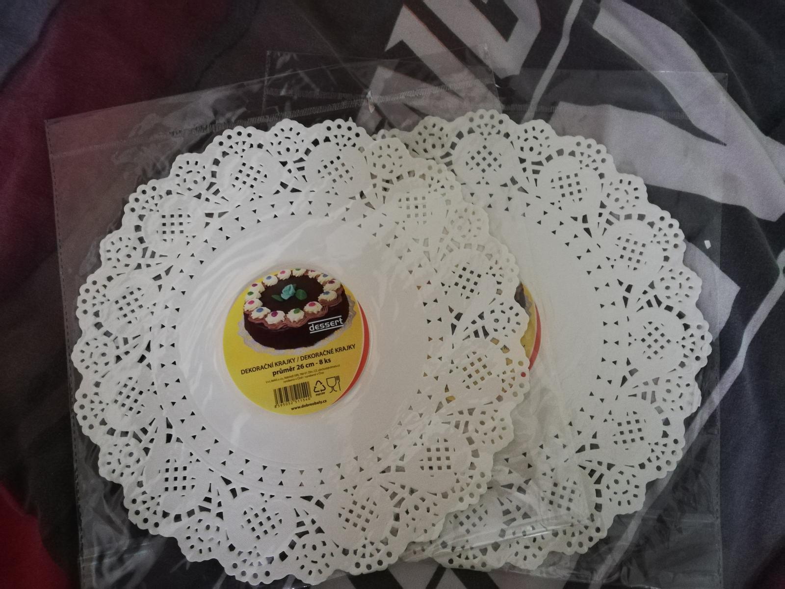 Krajky a tácky pod koláče - Obrázek č. 1