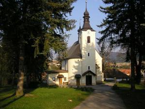 maličký kostelík - tak tady to bude....