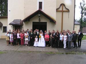 Jedna společná před kostelem...
