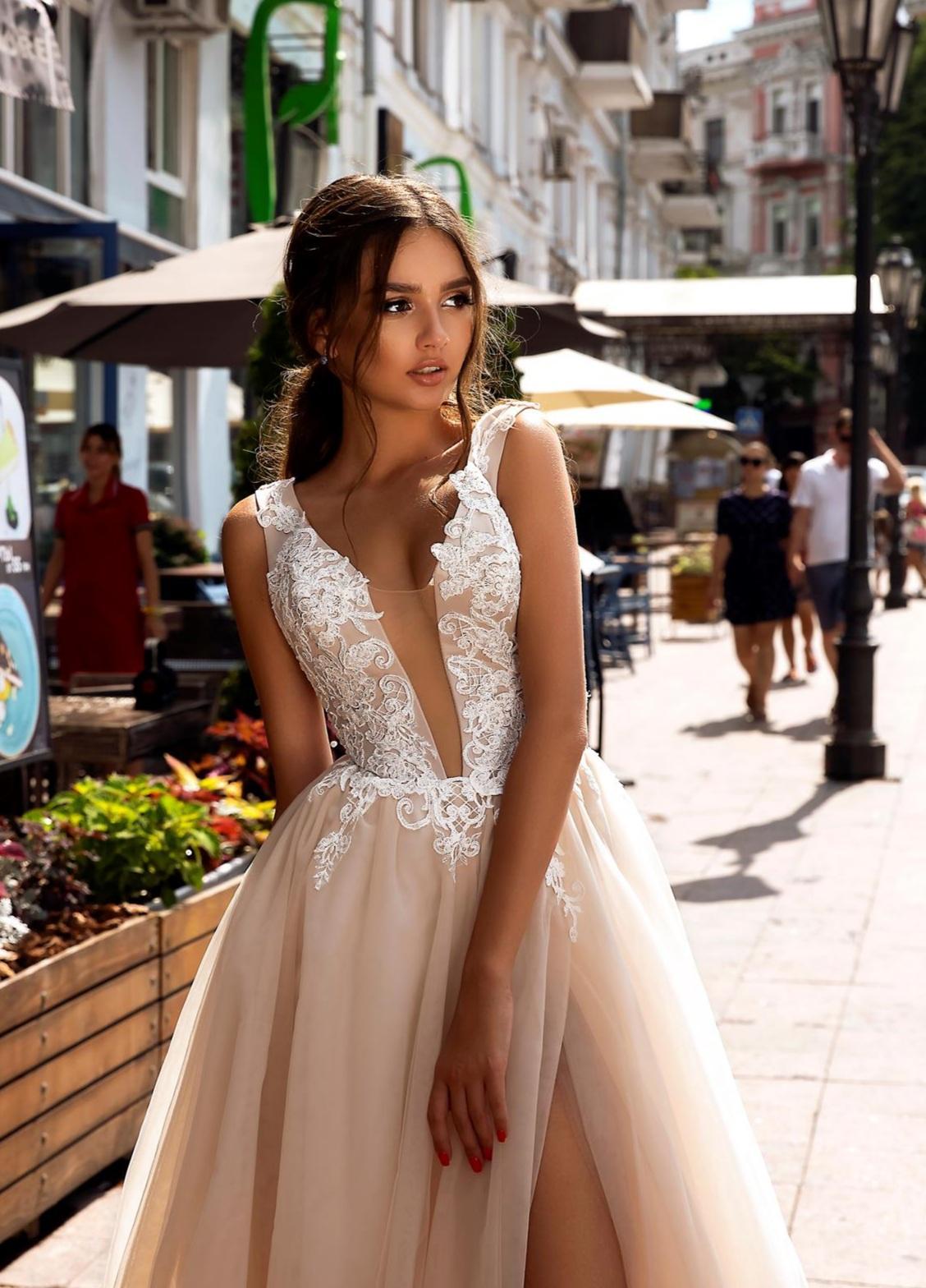 Svadobné šaty v salóne Brigit Boutique - Regina