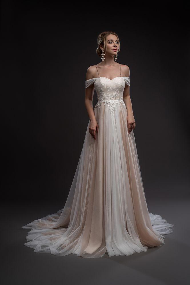 Svadobné šaty nemusia byť len biele - Obrázok č. 7
