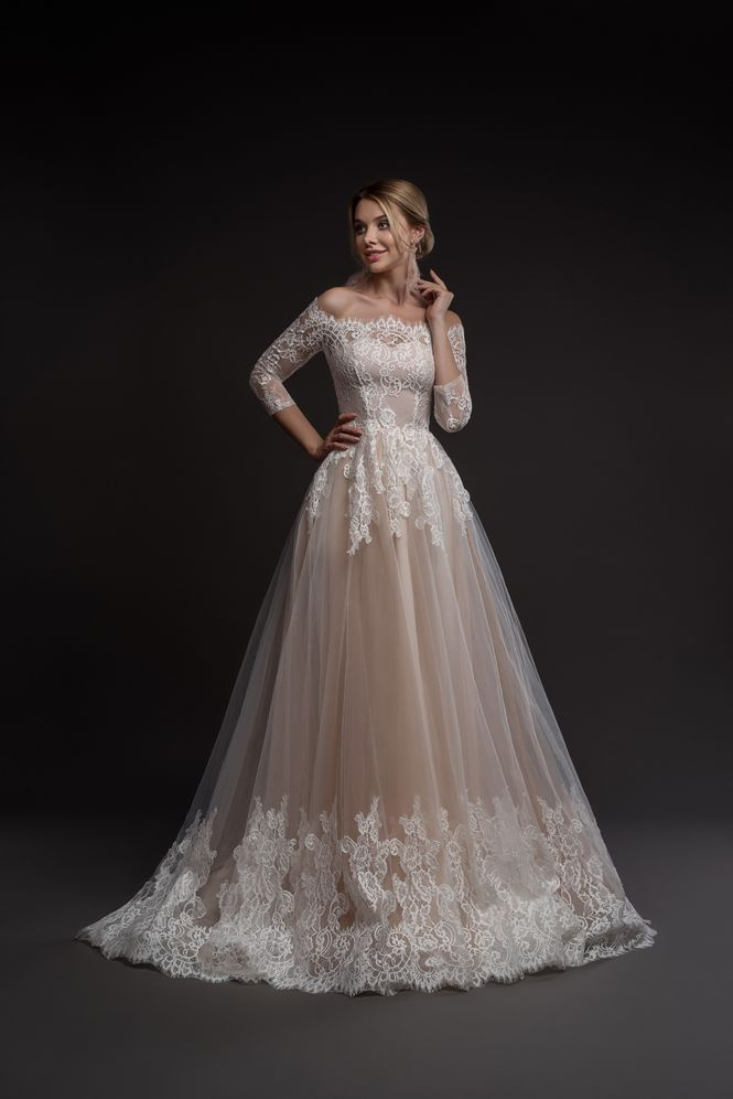 Svadobné šaty nemusia byť len biele - Obrázok č. 8