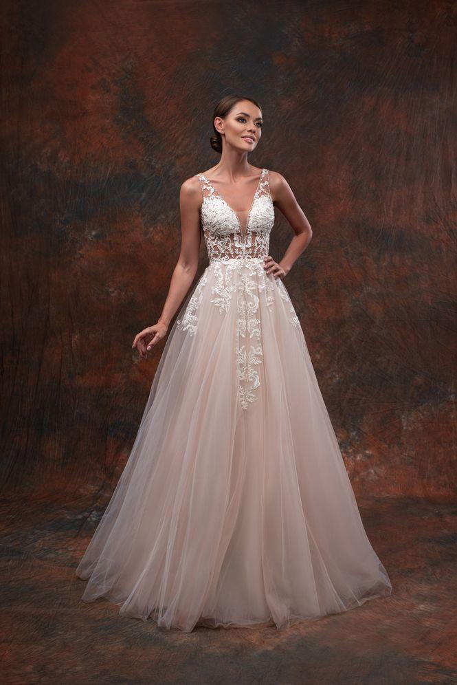 Svadobné šaty nemusia byť len biele - Obrázok č. 5