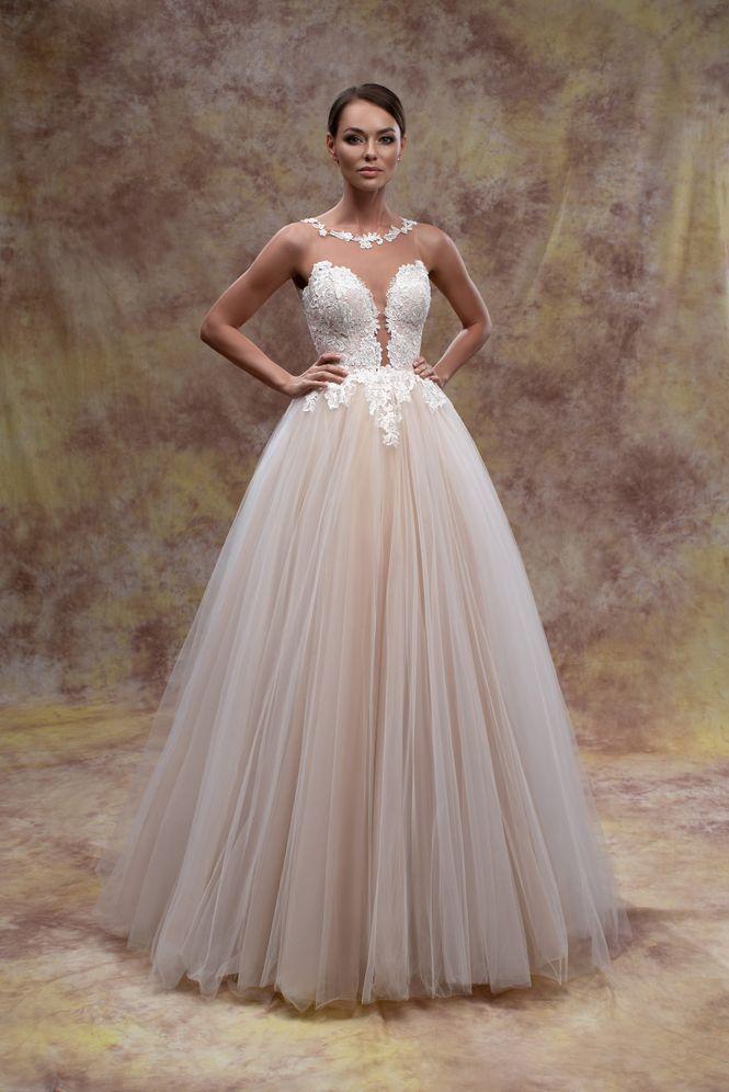 Svadobné šaty nemusia byť len biele - Obrázok č. 4