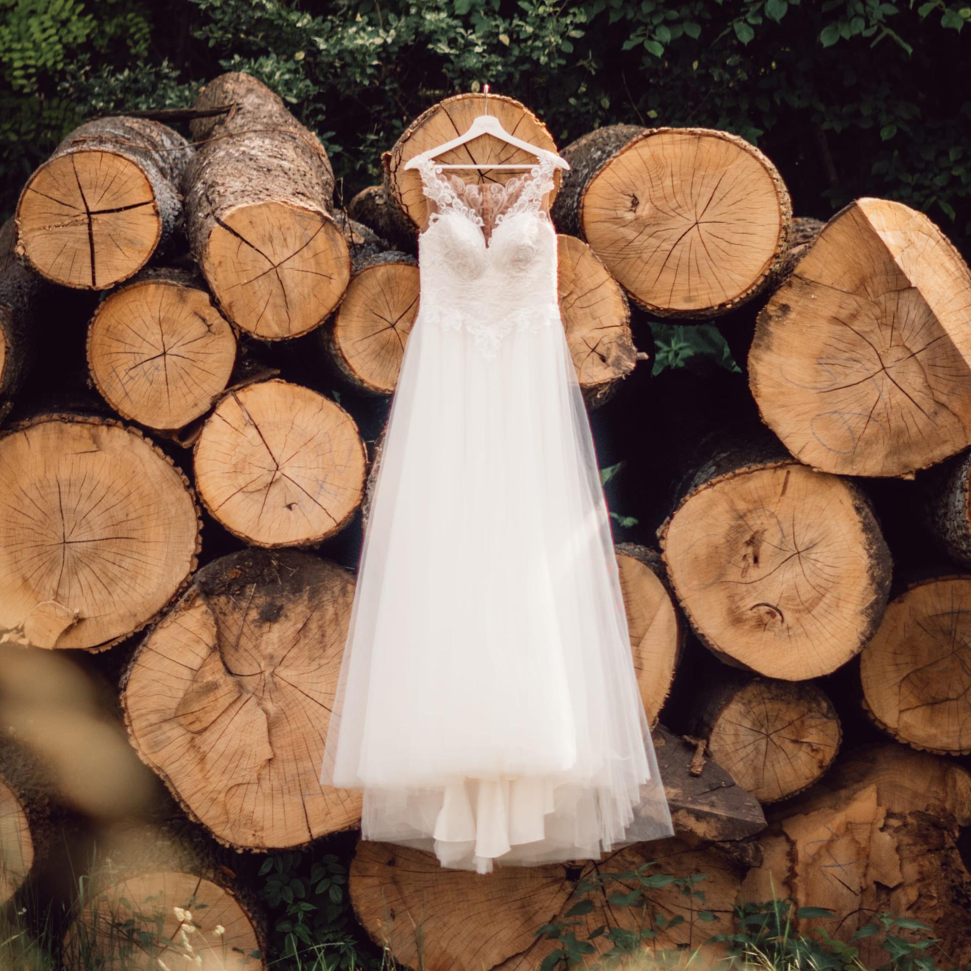 Túžite po svadbe v lese či na lúke? 🌲🌿 Takáto svadba má neobyčajnú atmosféru. 🥰❤ - Obrázok č. 2