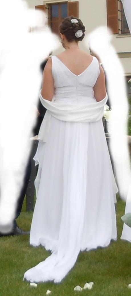 Svatební šaty šité na míru - Obrázek č. 1
