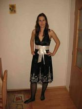 popůlnoční šaty 1.možnost