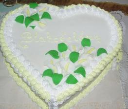takuto torticku som mala na narodky a ta ista cukrarka bude robit svadobnu,mnam