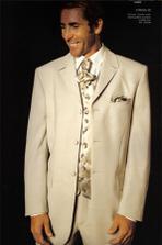 takehoto som chcela milacika, ale odhovorili ma, tak bude cierna klasika so smotanovou vestou a francuzskou kravatou
