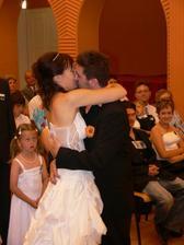 novomanželský polibek :-)