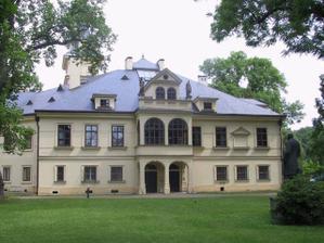zámek Lužany