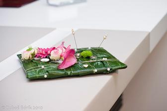 ...vankusik na prstienky zo zivych kvetiniek .-)
