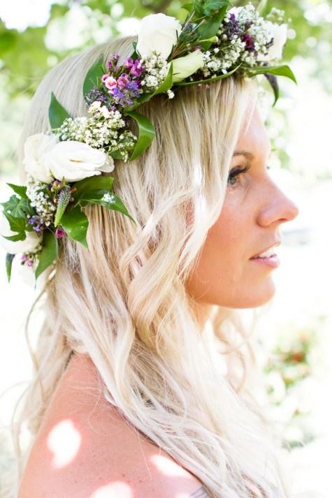 Kvetinové čelenky vo svadobnom účese - Obrázok č. 10