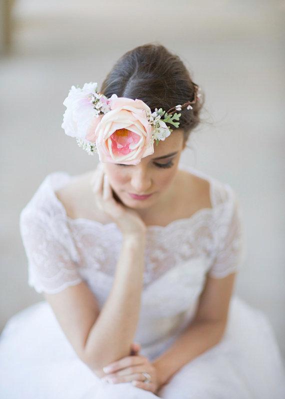 Kvetinové čelenky vo svadobnom účese - Obrázok č. 11