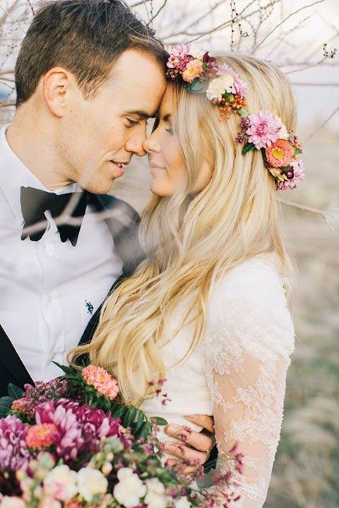 Kvetinové čelenky vo svadobnom účese - Obrázok č. 16