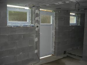 Pivničné dvere a okná