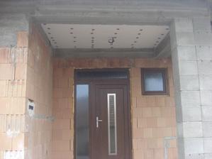 Zateplený strop nad vchodom