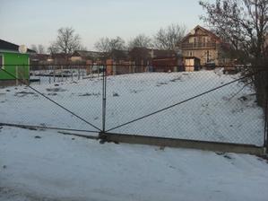 Kúpený pozemok február 2010 (bez horného plotu)