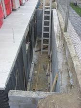 Ešte treba schody dorobiť :)