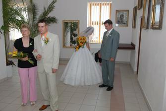 já s bratrem a manžel s maminkou