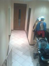 pohlad zo schodou na vchodove dvere