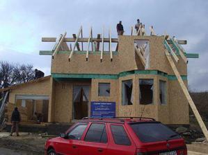 konecne sa robi krov aj na dome