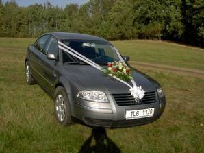Tak takhle bylo nazdobený autíčko pro nevěstu...